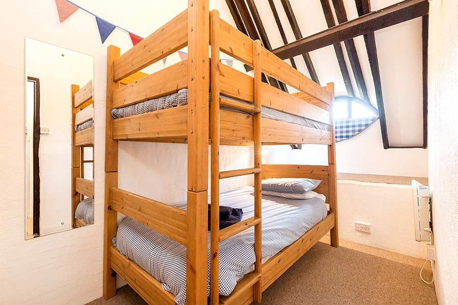 Twin Bedroom with Bunk Beds