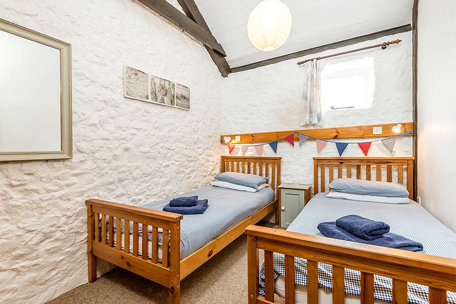Twin Room in Cider Barn