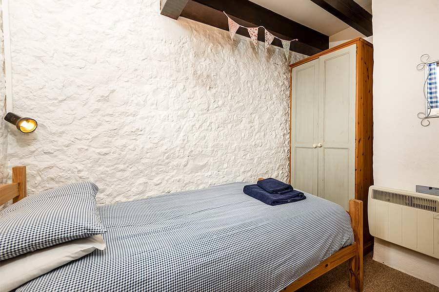 Single Bedroom in Hayloft